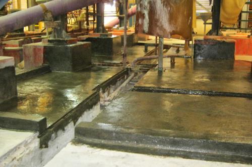 Reparación y protección de cubeto en la sección de electrocincado - Imprimación Devcon Sealer 100