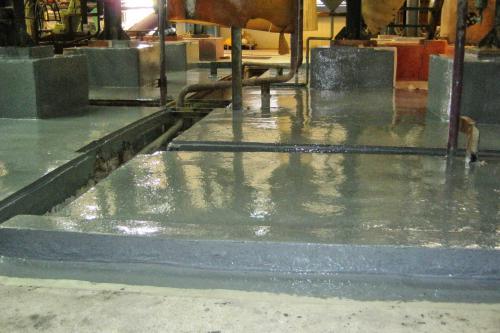 Reparación y protección de cubeto en la sección de electrocincado - Recubrimiento Devcon Novalac Epoxy Coat 7000AR