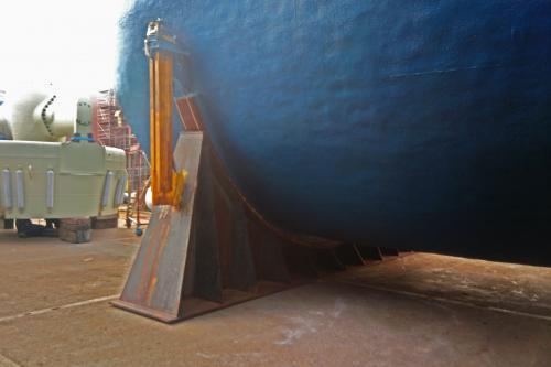 Phillymastic TG7B en tanque de gas natural líquido / LNG
