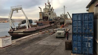 Taqueado de motores de propulsión en embarcación Tlaloc
