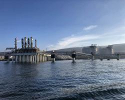Protección pilotes en planta de LNG Energía Offshore