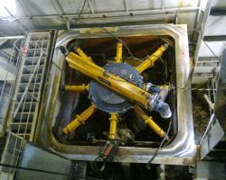 """Montaje, alineación y fijación de dos hélices retráctiles en el buque C/333 """"Pipe layer & mining Vessel"""" buque minero e instalador de tubos el fondo marino, """"Simón Stevin"""""""